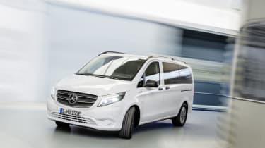 Der neue Mercedes-Benz eVito Tourer (Stromverbrauch kombiniert: 26,2 kWh/100 km; CO2-Emissionen kombiniert: 0g/km) – Exterieur // The new Mercedes-Benz eVito Tourer (combined power consumpti