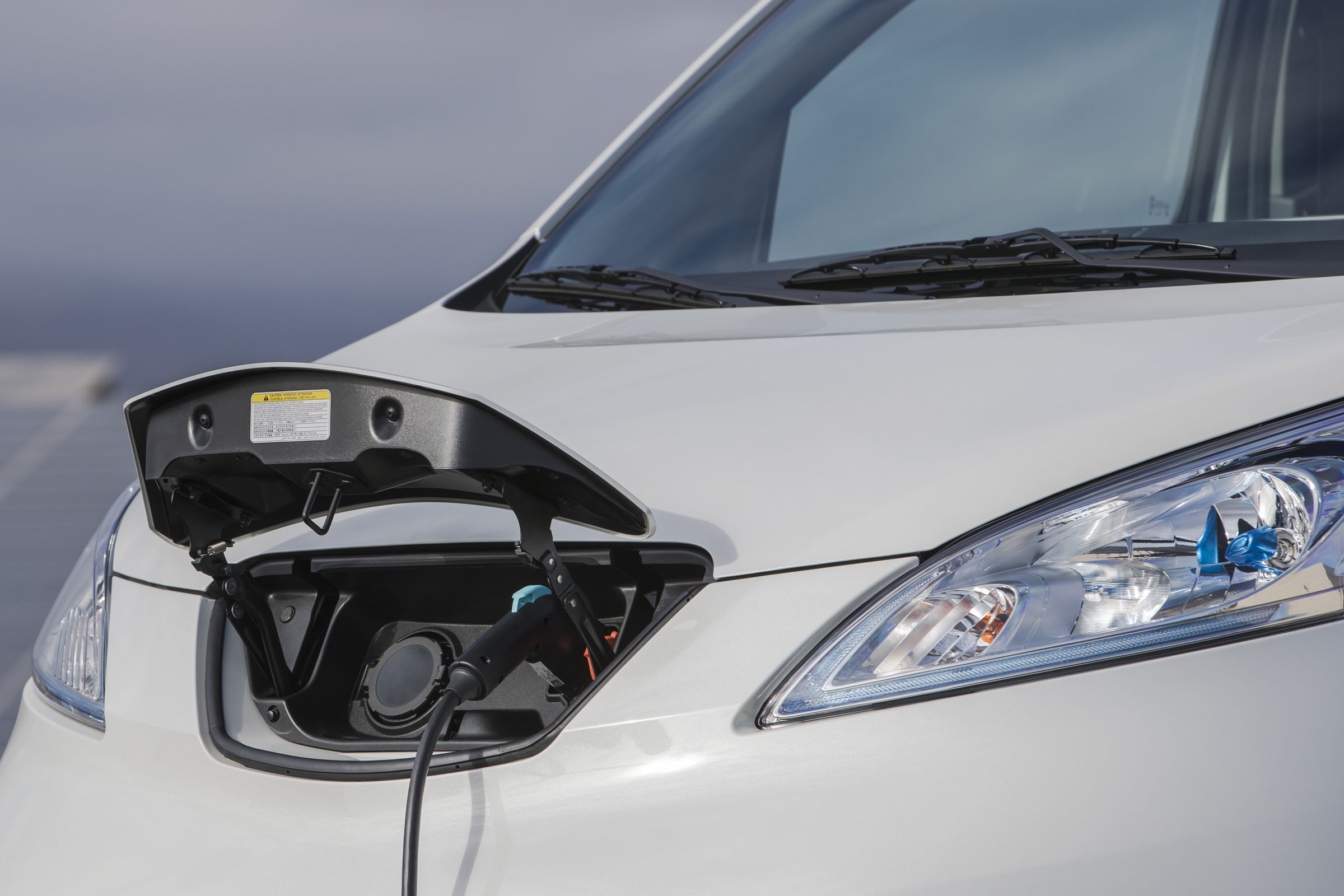 www.drivingelectric.com