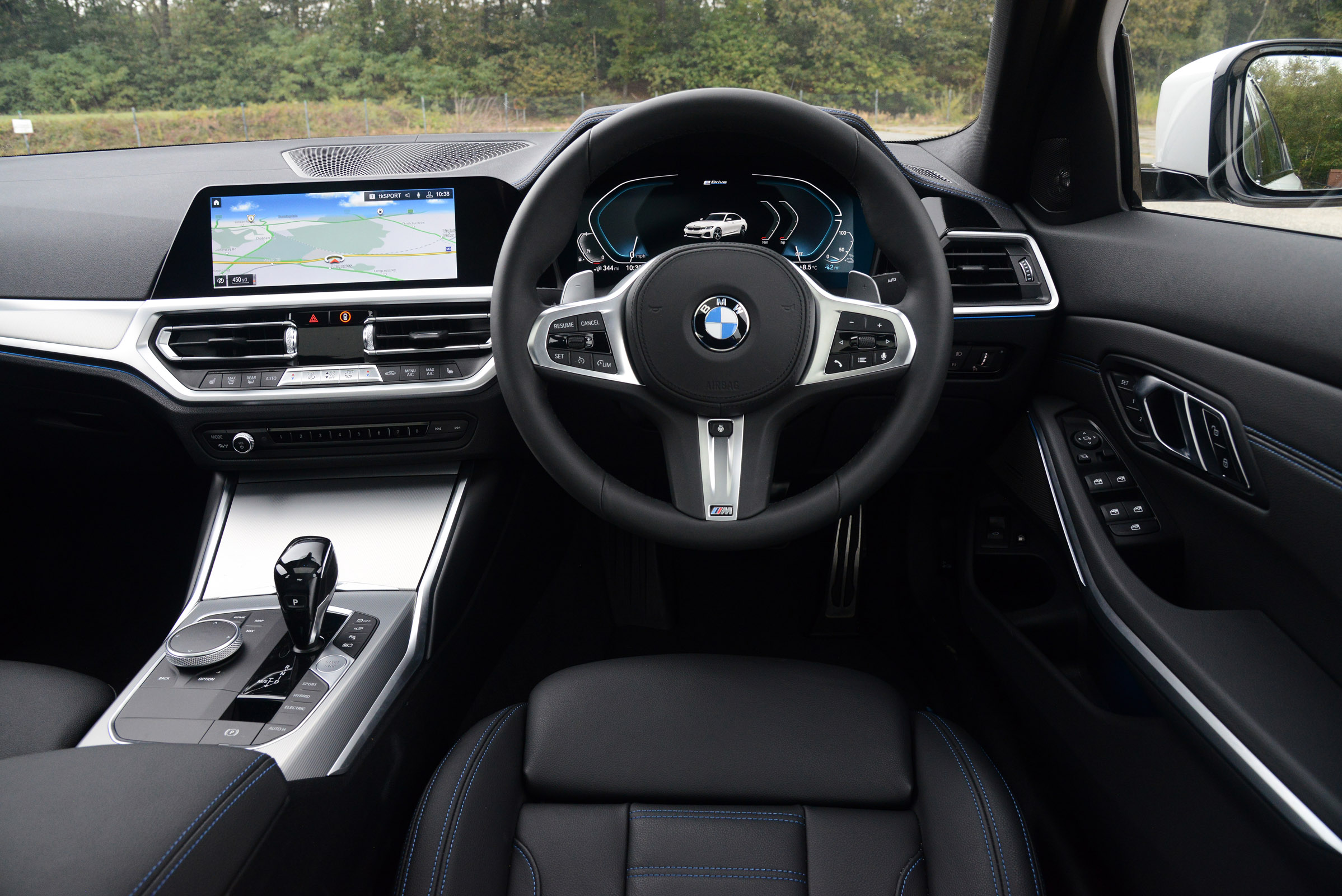 Bmw 330e Interior Comfort Drivingelectric