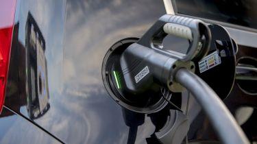SEAT Mii electric charging