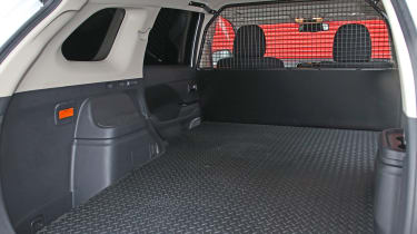 Mitsubishi Outlander PHEV Commercial load area