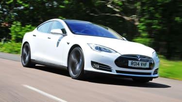 White Tesla Model S (pre-facelift)