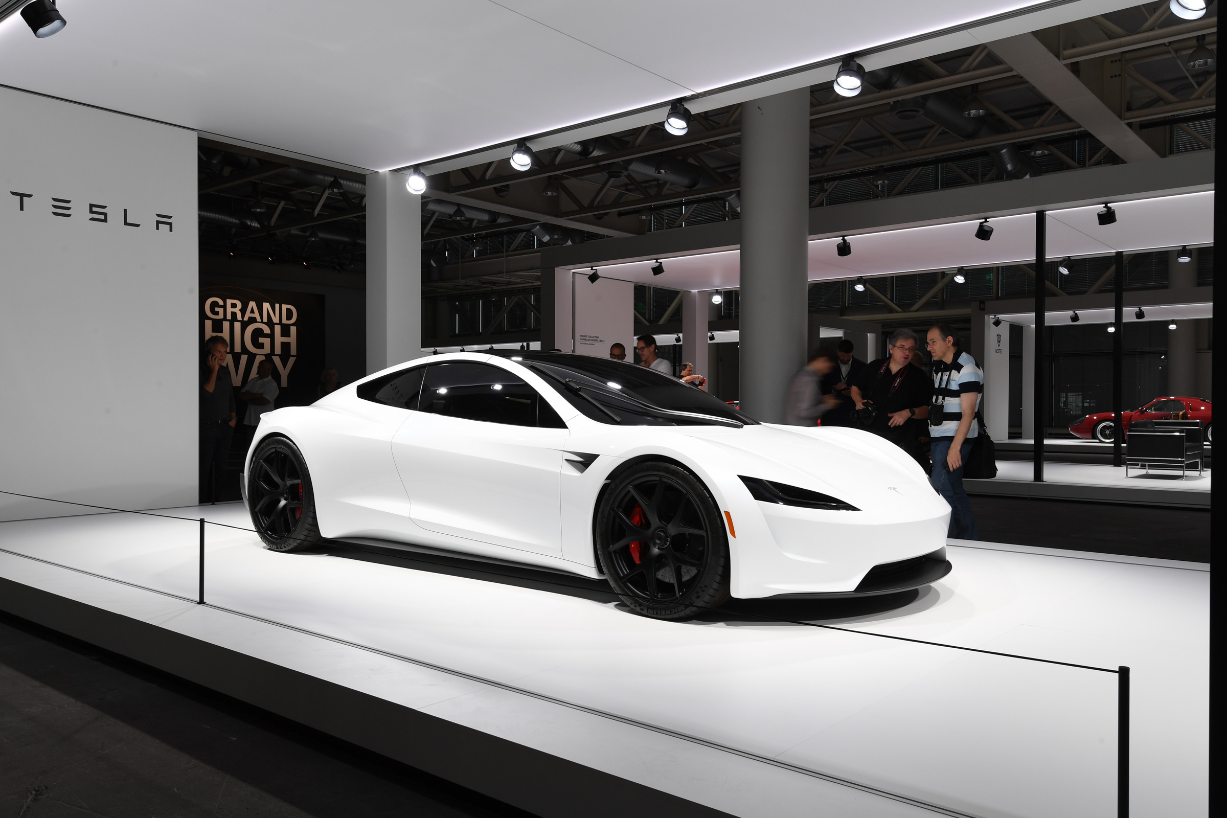 New Tesla Roadster 2022 Specs And On Sale Date Drivingelectric