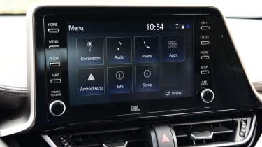 Toyota C-HR infotainment