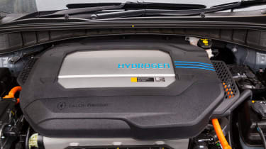 Hyundai UK demonstrates the Hydrogen-powered Nexo that not only produces completely clean emissions but also cleans up the air its engine ingests, thanks to a filtration system developed by s
