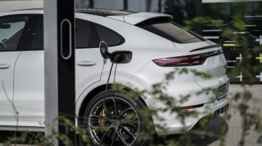 Porsche Cayenne Coupe Turbo S E-Hybrid