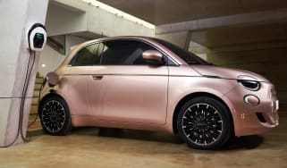 Fiat 500 charging