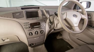 Toyota Prius Mk1 pictures