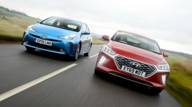 Hyundai Ioniq vs Toyota Prius