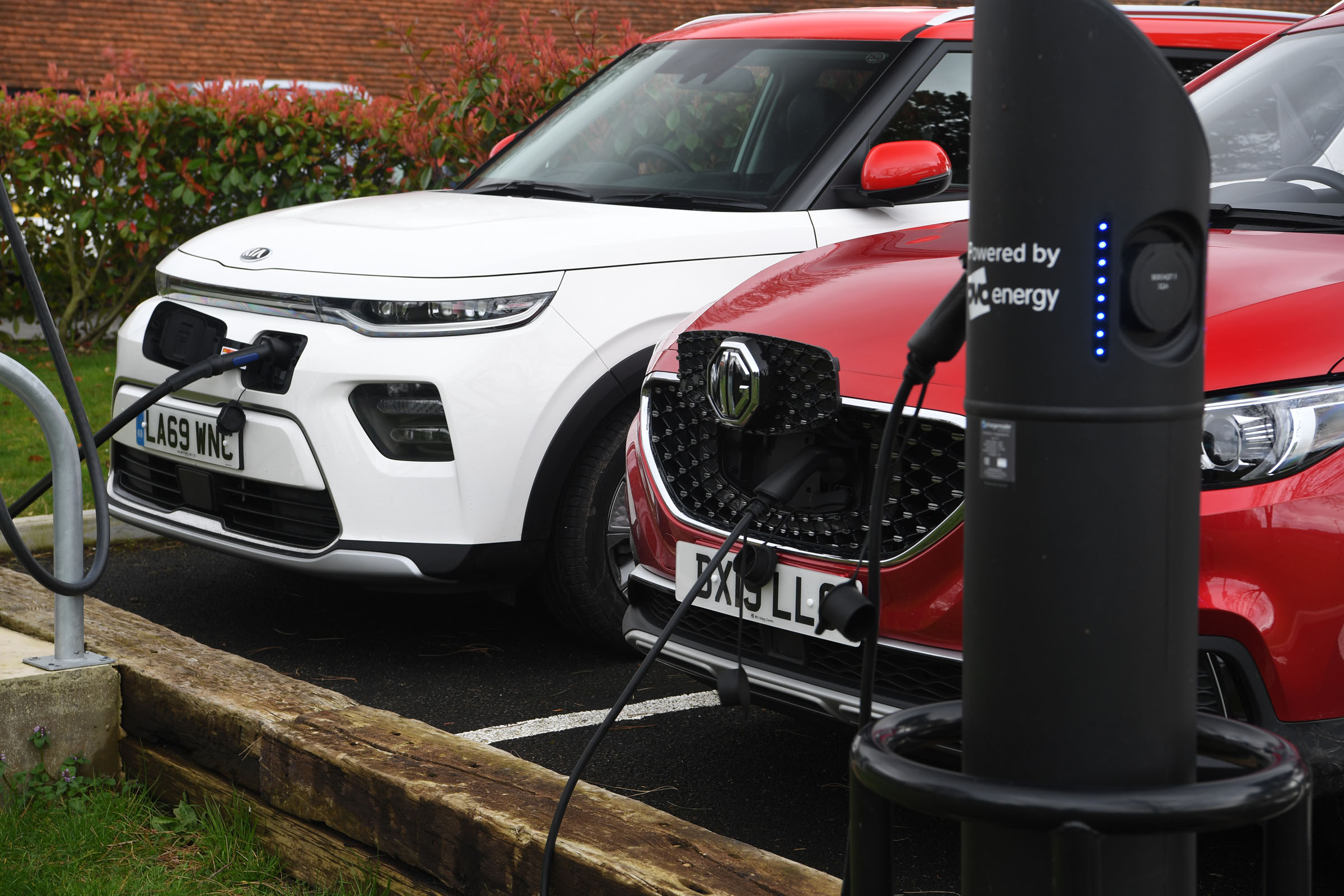 Kia Soul EV vs MG ZS EV: range and charging | DrivingElectric