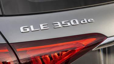 GLE 350 de 4MATICKraftstoffverbrauch gewichtet 1,1 l/100 km, CO2-Emissionen gewichtet 29 g/km, Stromverbrauch gewichtet 25,4 kWh/100 km//Weighted fuel consumption 1.1 l/100 km, weighted CO2 e