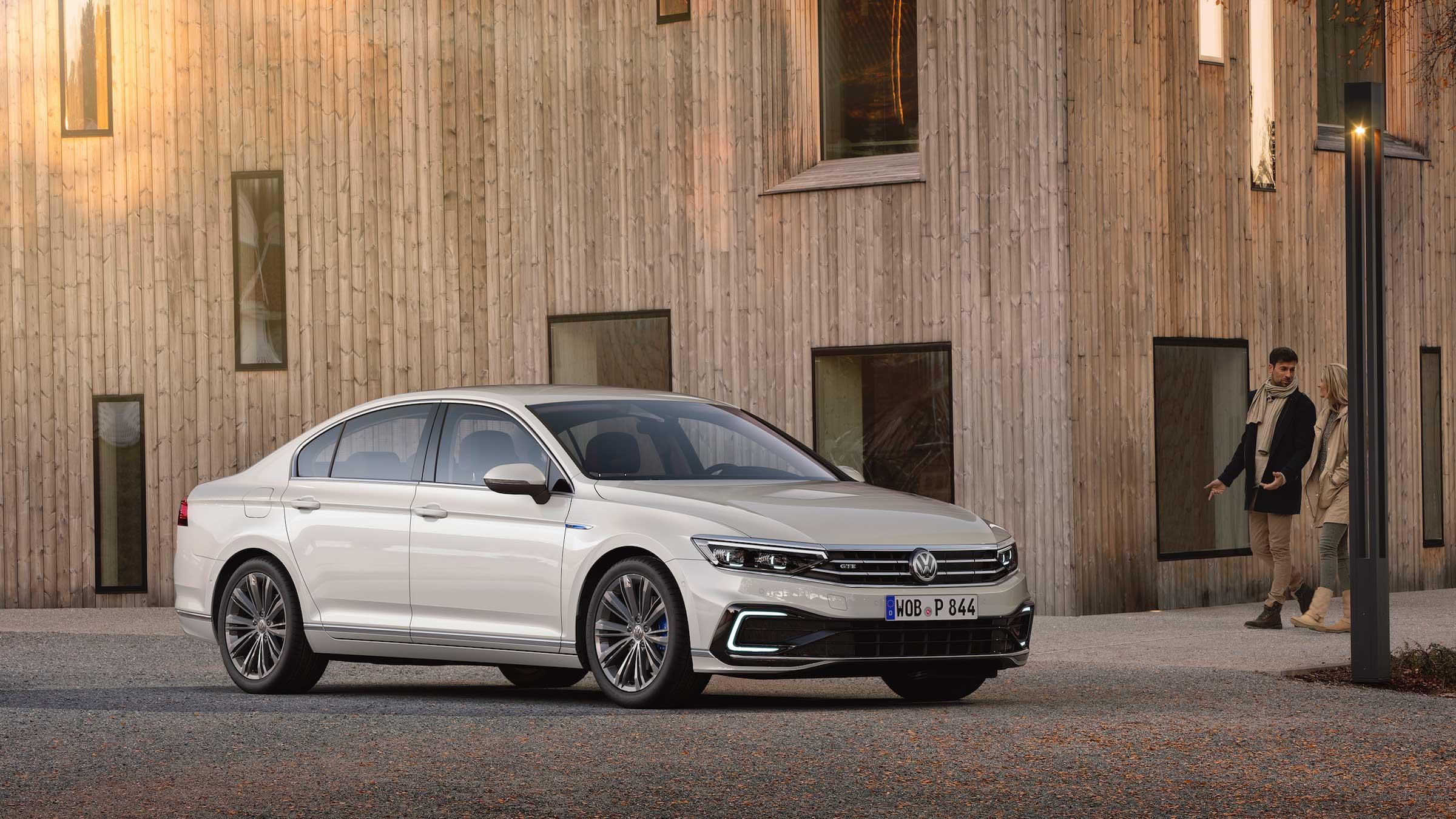 Volkswagen Passat Gte Review Drivingelectric