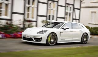 Porsche Panamera Sport Turismo hybrid