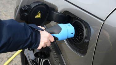 Volvo XC40 charging