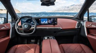 BMW iX xDrive50 interior