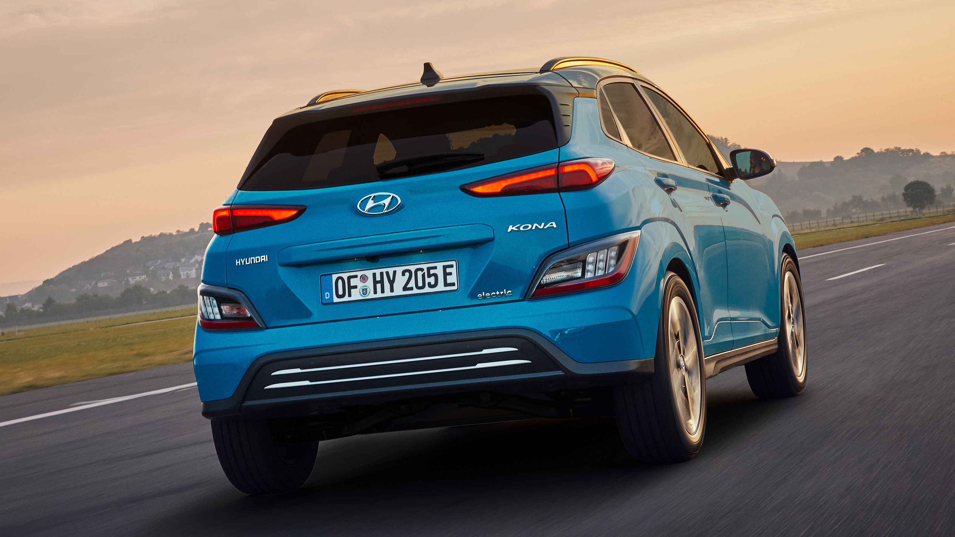Hyundai Kona Electric Facelift Prices Specification And On Sale Date Drivingelectric
