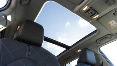 2021 Toyota Highlander Hybrid - Sunroof
