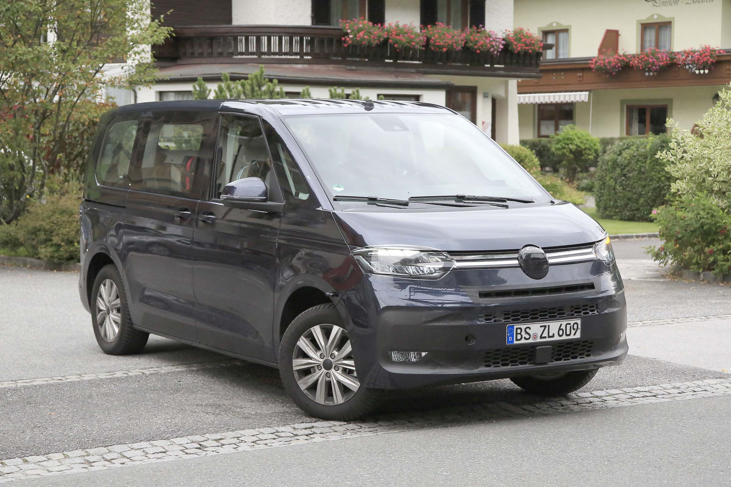 VW Transporter hybrid van: new T7 to launch in 2021 with ...