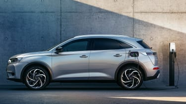 DS 7 Crossback E-TENSE charging