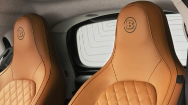 Smart EQ ForTwo Coupe Racing Green Edition interior