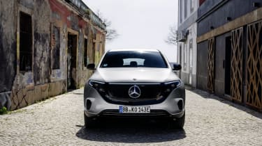 Ein besonderes Auto für einen besonderen Moment: Ein limitiertes Sondermodell markiert den konsequenten Aufbruch von Mercedes-Benz in das Zeitalter der Elektromobilität – die EQC Edition 1886