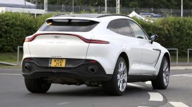 Aston Martin DBX hybrid